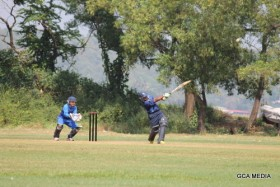 IMG_9778 Goa Eves all-rounder Santoshi Rane launching  herself for a six  --- Pic by Basil Sylvester Pinto